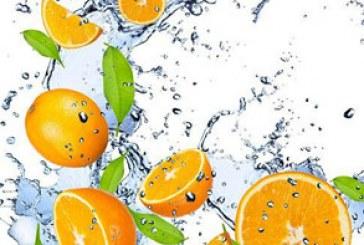 دانلود تصاویر استوک پاشیدن آب و میوه